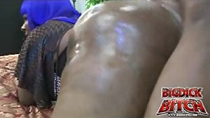 Big dick bitch getting fuck by a 10 inch..
