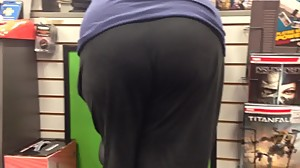COD IW and mature booty